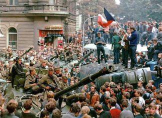 В ночь с 20 на 21 августа 1968 года в Чехословакии период политического либерализма («пражская весна») закончился вводом в страну более 300 тыс. солдат и офицеров и около 7 тыс. танков стран Варшавского договора.